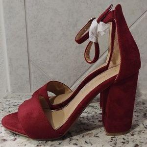 NWOT Boohoo Wine Red Block Heels